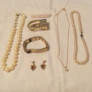 💃Awesome Mystery Lot of Assorted Costume Jewelry